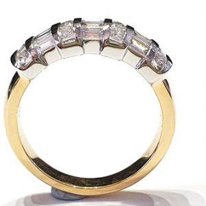 18k baguette & brilliant cut diamond ring - eye catching sparkle! side view