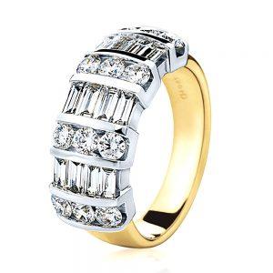 18K Baguette & brilliant cut diamond ring