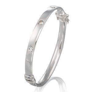 White gold bangle with 3 x diamonds