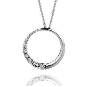 Circle Pendant with Gradual Diamonds