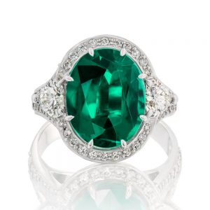 Oval Emerald Cluster Ring with Heart side
