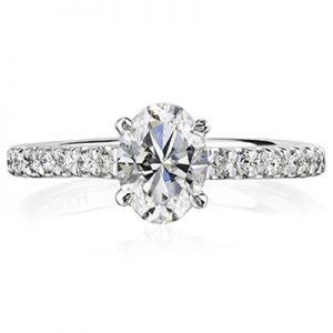 The feminine curves of 1 carat oval cut diamonds are beautifully complemented by our collection